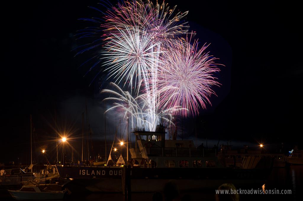 bayfield-island-queen-fireworks-composite