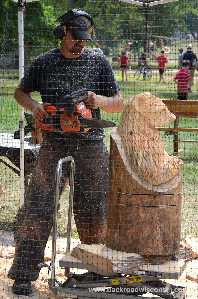 Mosinee-Logjam-chainsaw-carver